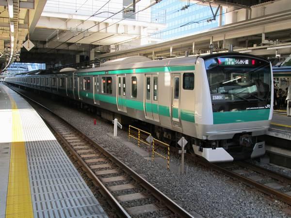 大崎駅に停車中の埼京線E233系7000番台