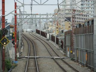 上り列車から第1期・第2期区間の接続地点を見る。