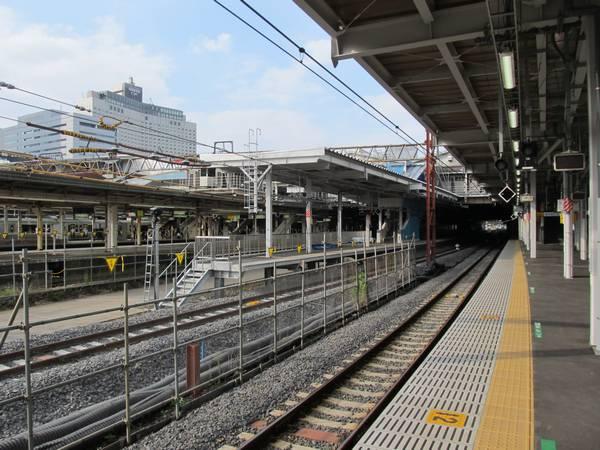 9番線から見た7・8番線ホームの横浜寄り。ホーム先端の位置は改築前よりも後退した。