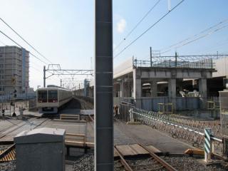 松戸寄りの高架橋はまだ未完成。