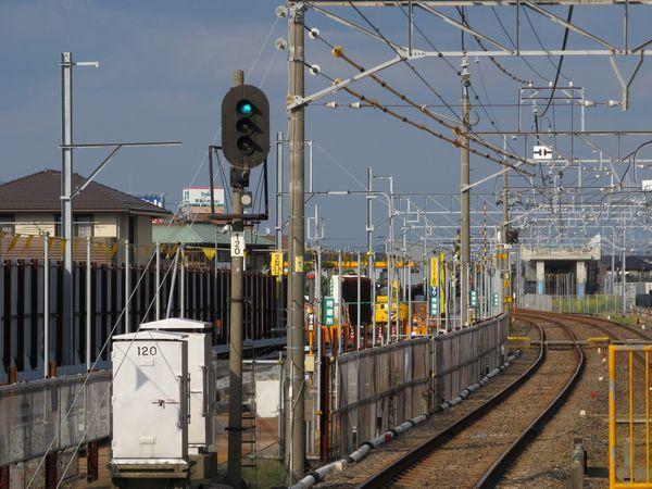初富駅の先は2004年に切り替え済みの仮線に合流する。