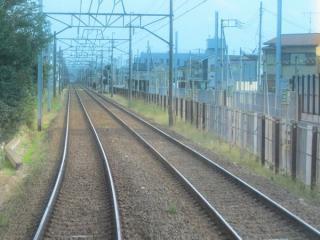 初富駅まで仮線の軌道敷設中。