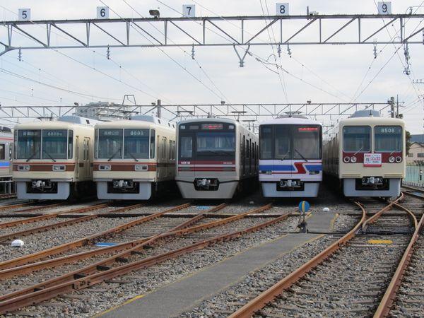 新京成電鉄の全形式が揃った車両展示