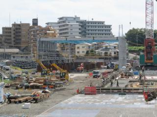 建設中のシールド工事用防音ハウス