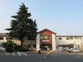 野田市駅の駅舎。手前は駅前広場予定地で、用地買収は既に完了している。