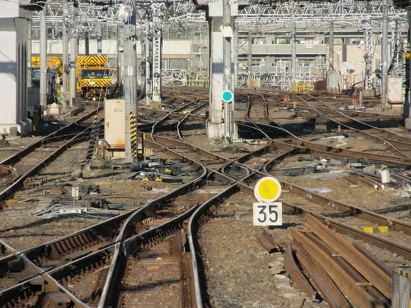 上野駅大宮寄りではDSSの改良が行われている