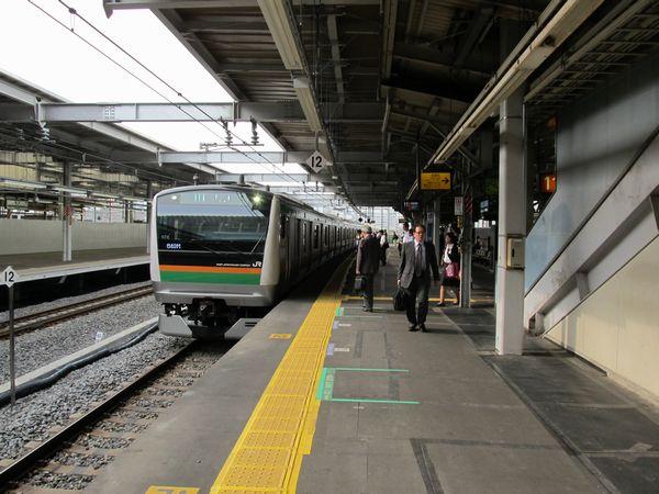 暫定的に東海道線下り本線として使用されている11番線