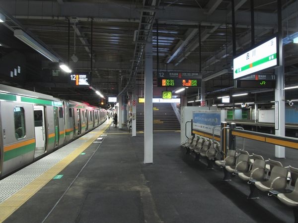 改良工事が完成した東海道線下り11・12番線ホーム。
