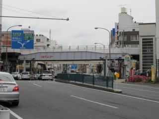 橋桁は東横線時代に使用されていたものをそのまま流用している。