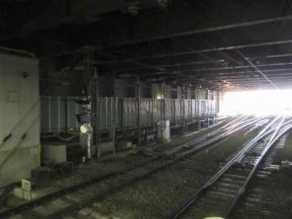 延長部分は床面・側壁とも仮設構造となっている。