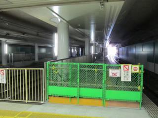 延長工事が完了した田園調布駅ホーム渋谷方。