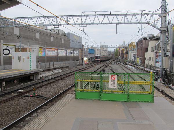 下り副本線の移設が完了した自由が丘駅渋谷方