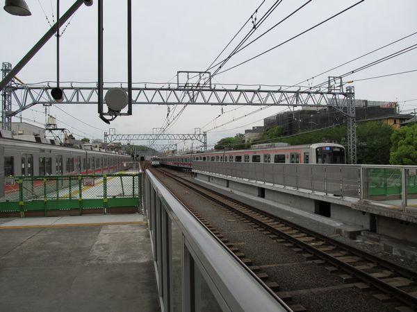 多摩川駅渋谷方に延長されたホーム。