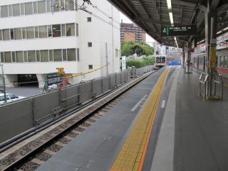 上り線ホーム渋谷方の拡幅後(4月30日)。