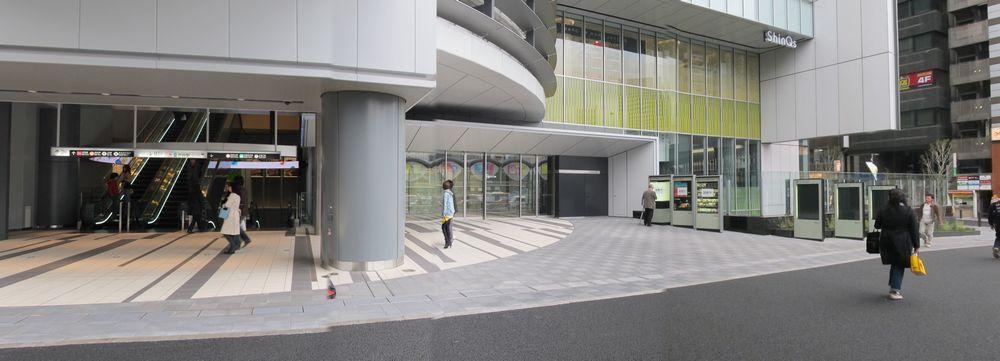 地上1階の渋谷ヒカリエエントランス