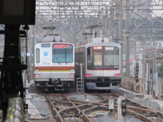 和光市駅到着後引上線に入り東京メトロ7000系とすれ違う。この日はそのまま検車区へ入庫した。