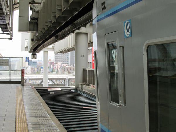 県庁前駅の先で途切れた軌道。ここから先の延伸が実現する日は来るのだろうか?2012年7月8日撮影