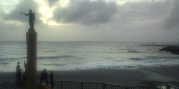 台風前の前浜