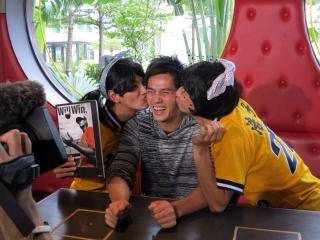 Chen_kiss.jpg