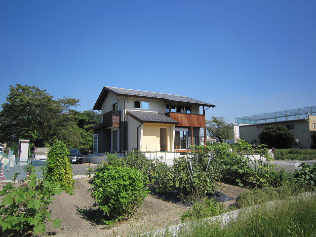 130920-木の温もりに包まれ家族を見守る家