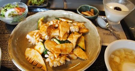 紋甲イカと夏野菜の四川風炒め
