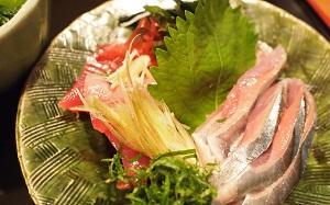 戻鰹と秋刀魚の刺身