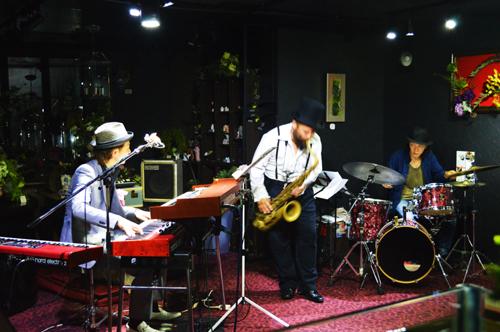 jazz3th01.jpg