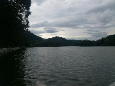 キャンディ湖の眺め