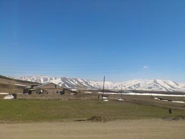 アルメニア国境後の道1