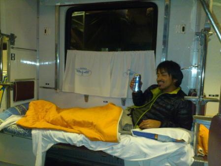 夜行電車でビール