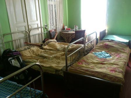 スリコ・メディコの家のベッド