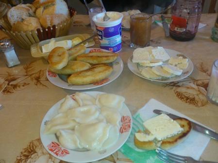 スリコ・メディコの家の朝食