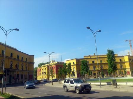 ティラナの町