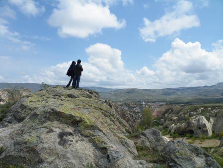 岩の上の少年