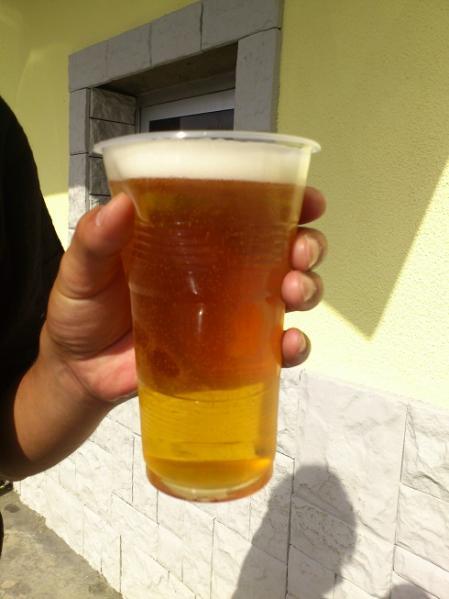 KAZBEGI BEERの出来立て生ビール