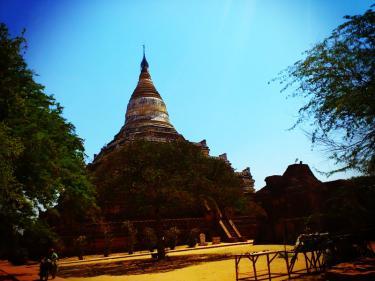 バガンの仏教建築9