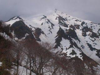 s14雲掛かる山頂6