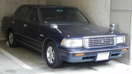 S130_CROWN_Sedan 130203
