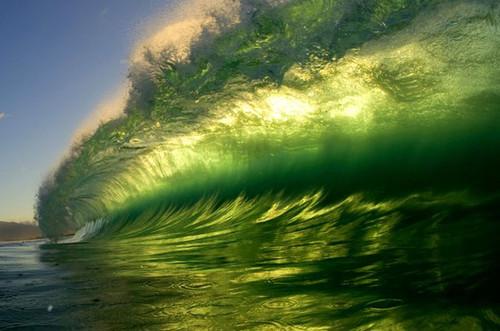グリーンの波images