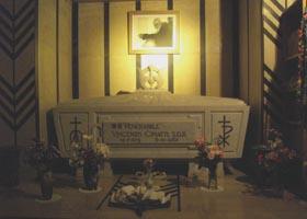 チマッチ神父の今の棺