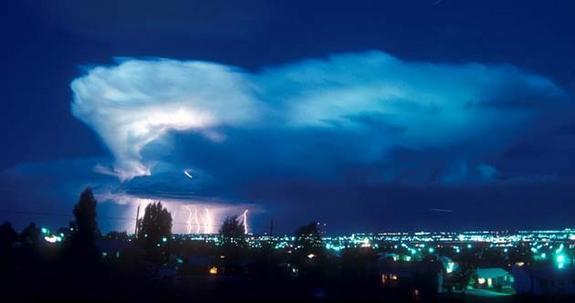 夜の雷雲image