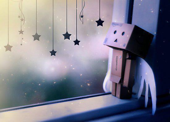 ひとり空を見上げる人形image