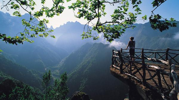 山間の風景image