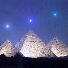 オリオンの三つ星とピラミッドimage