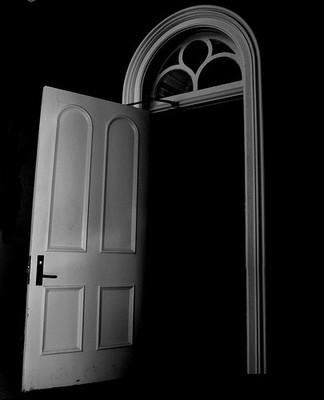闇の扉image
