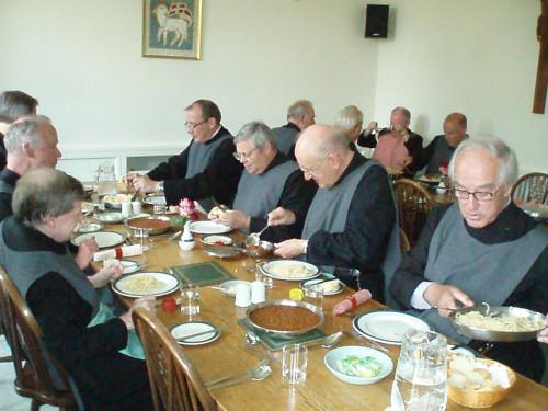 修道院のとある食事風景image