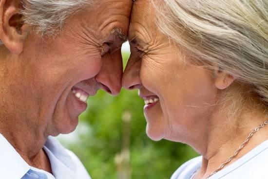老夫婦の笑顔なimage