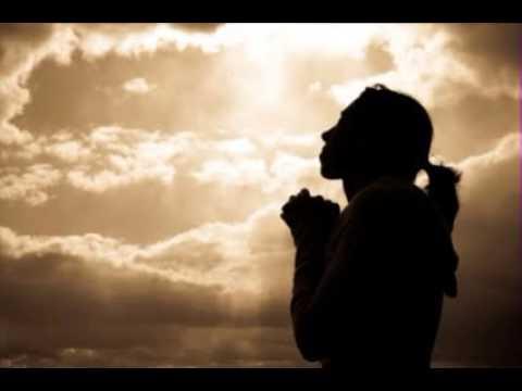 祈る女性のimage