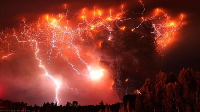 火山と放電のimage