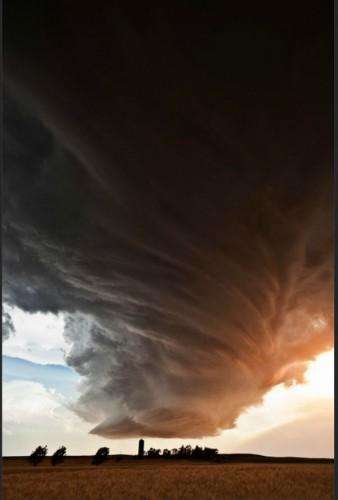 竜巻のような雲のimage